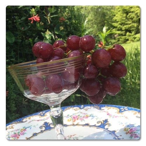 grapes_in_Glass.jpg