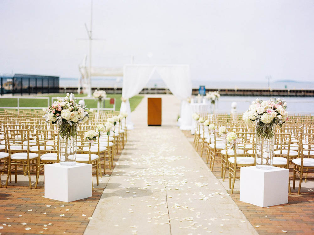 modern elegant vineyard ceremony
