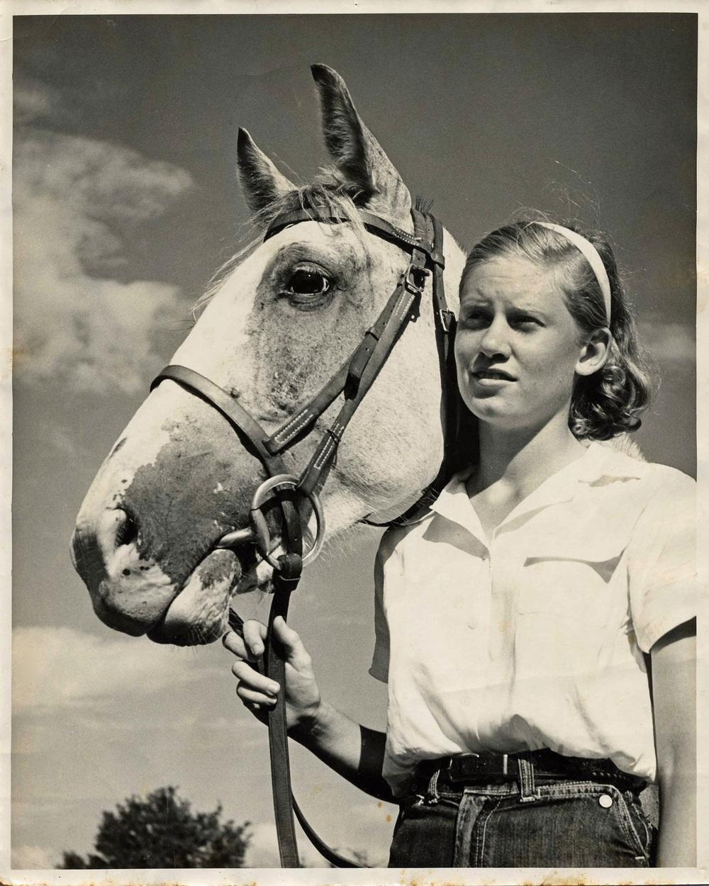 Julie Cour circa 1957.jpg