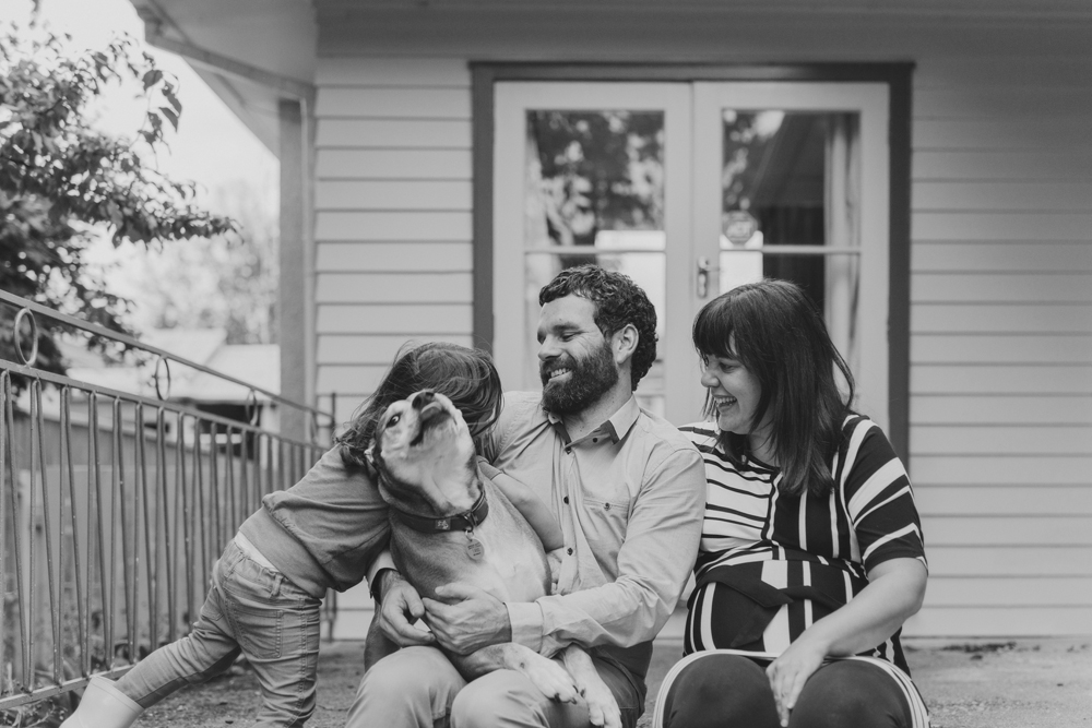 Relaxed, natural, un-posed Family photos. Lifestyle photography by Siaosi Photography