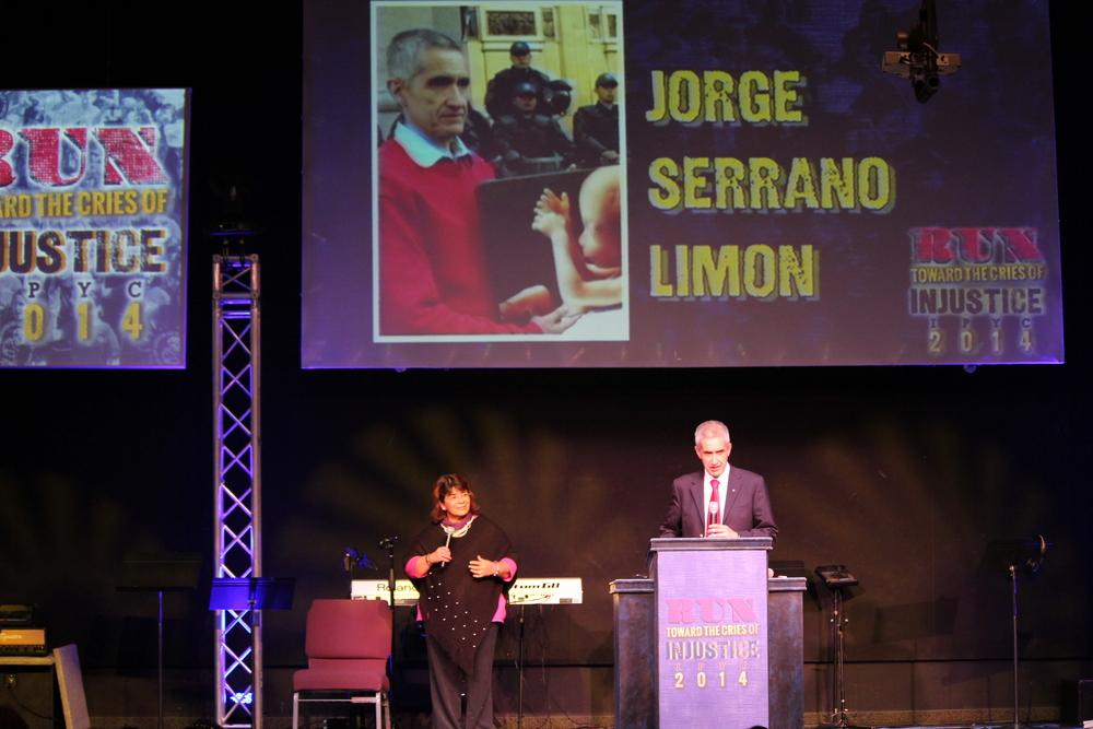 Jorge Serrano Limon, Centro de Ayuda para la Mujer