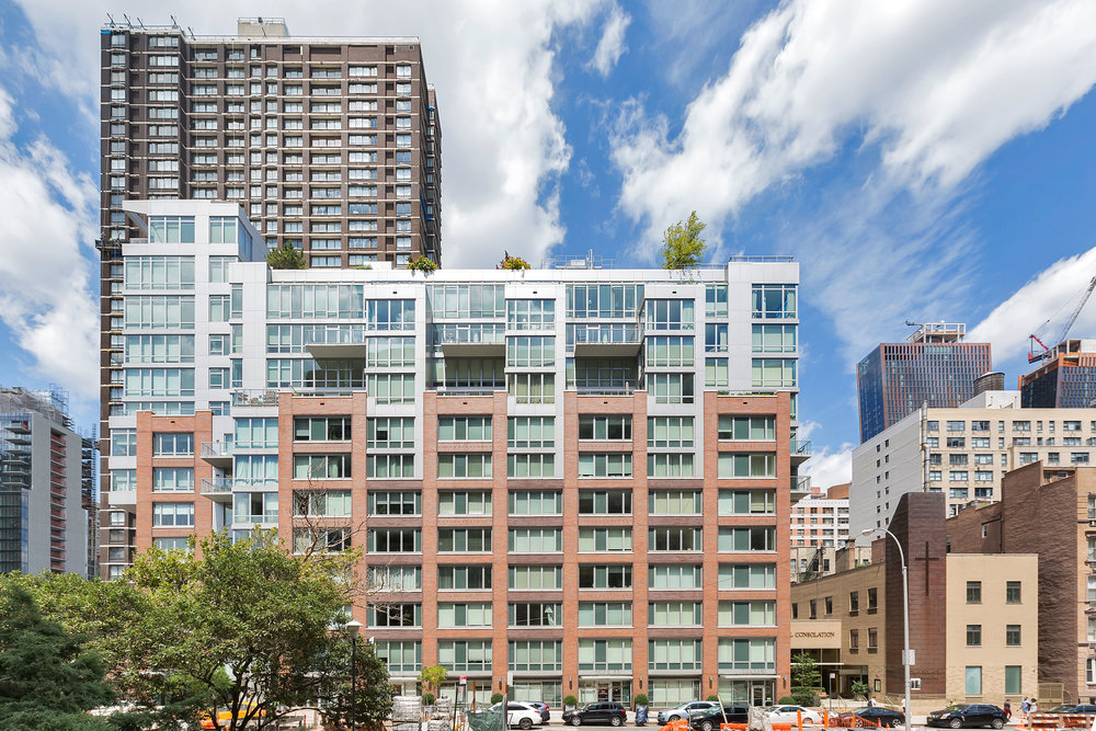 Discover Murray Hill's Premier Green Building - 303 East 33 Condo
