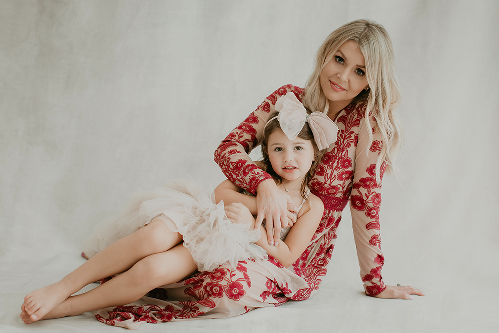Thirty five-year-old Mandy Garavaglia (here, with her daughter), is a two-time cancer (endometrial and ovarian) survivor.  Photo by Cassandra Castaneda.