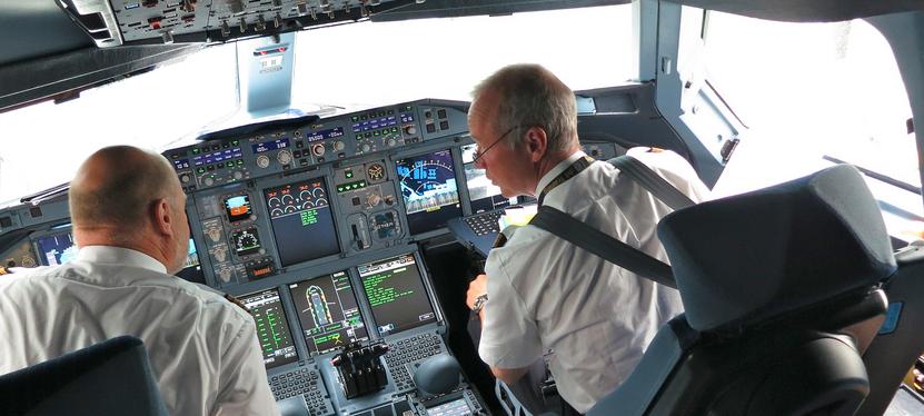 cockpit airline.png