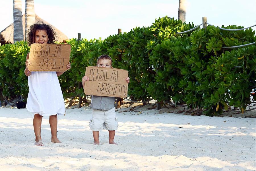 Playa-del-Carmen-Family-Portrait_0001s.jpg