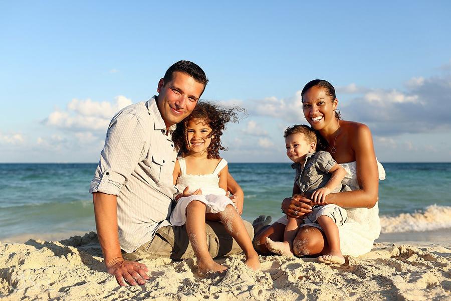 Playa-del-Carmen-Family-Portrait_0006s.jpg