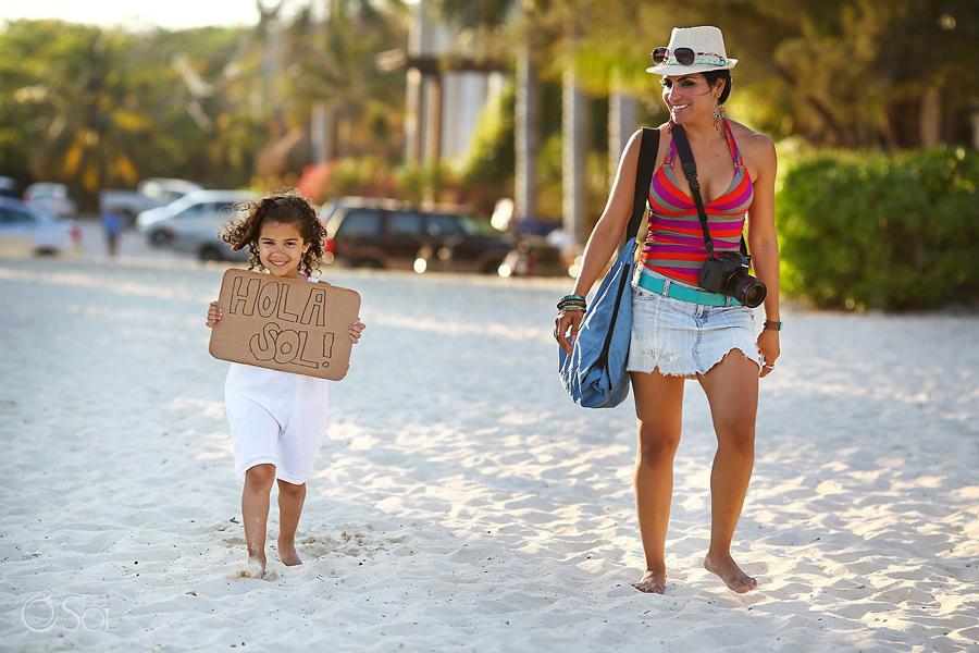 Playa-del-Carmen-Family-Portrait_0002s.jpg
