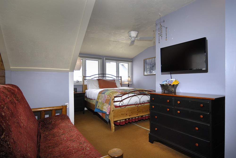 PurpleMtn_26 two buttes room.jpg