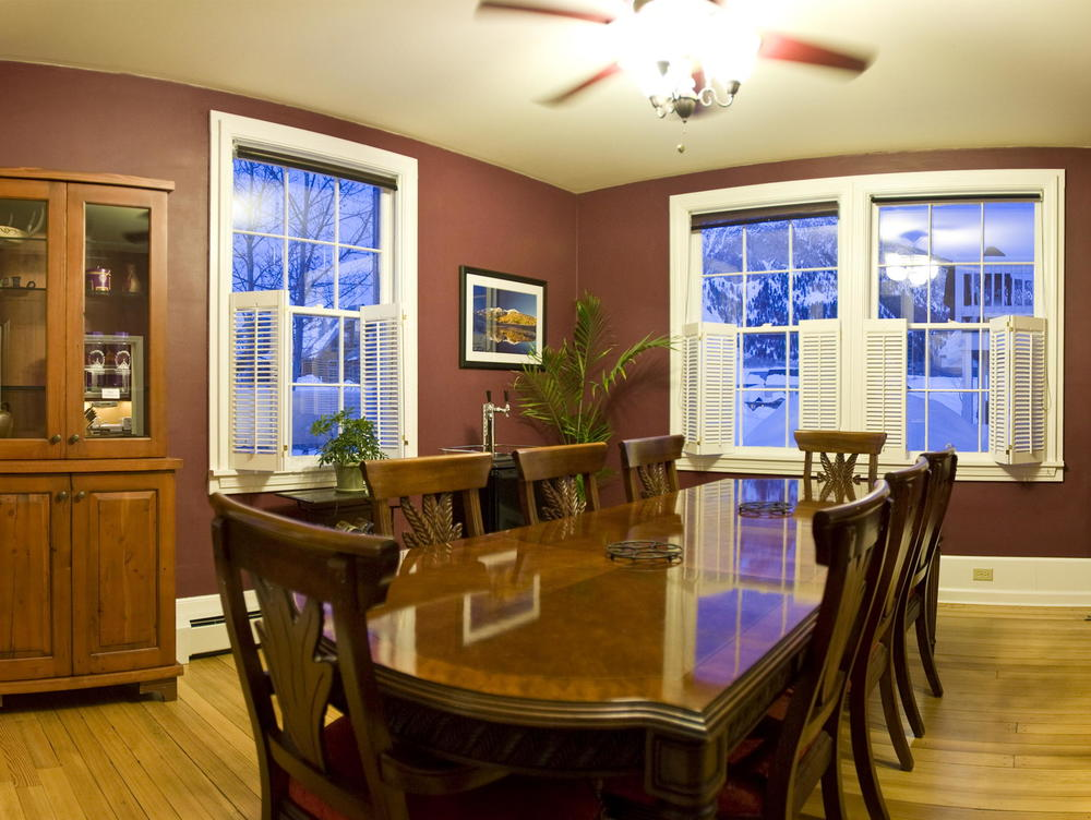 Purple Mountain B&B Dining Room.jpg
