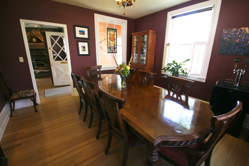 Purple Mountain B&B dining room.jpg