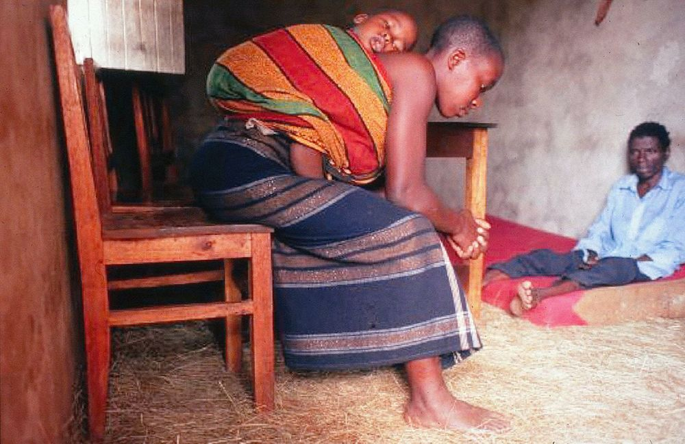 An entire family dies together of AIDS in Kagera, Tanzania.