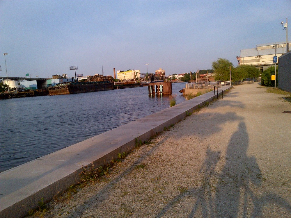 Strangest Bike Path in NYC (2)