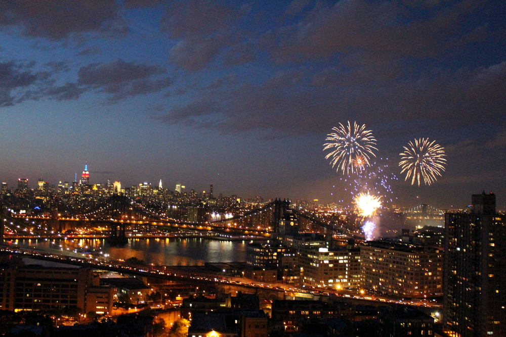 Fireworks Over the East River (1)