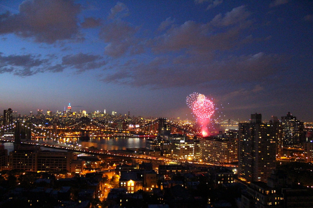 Fireworks Over the East River (3)