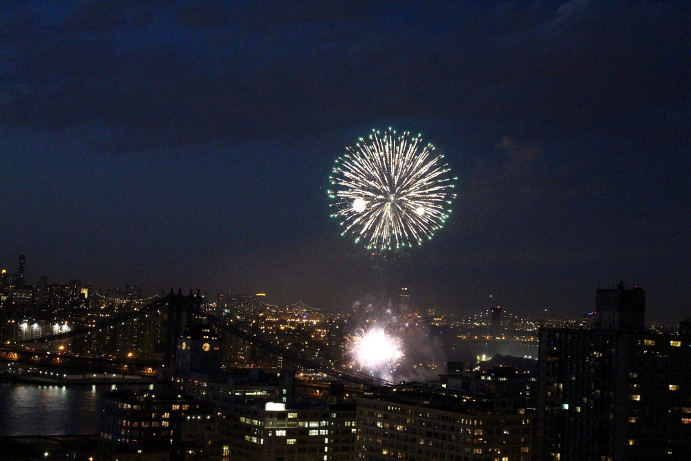 Fireworks Over the East River (5)