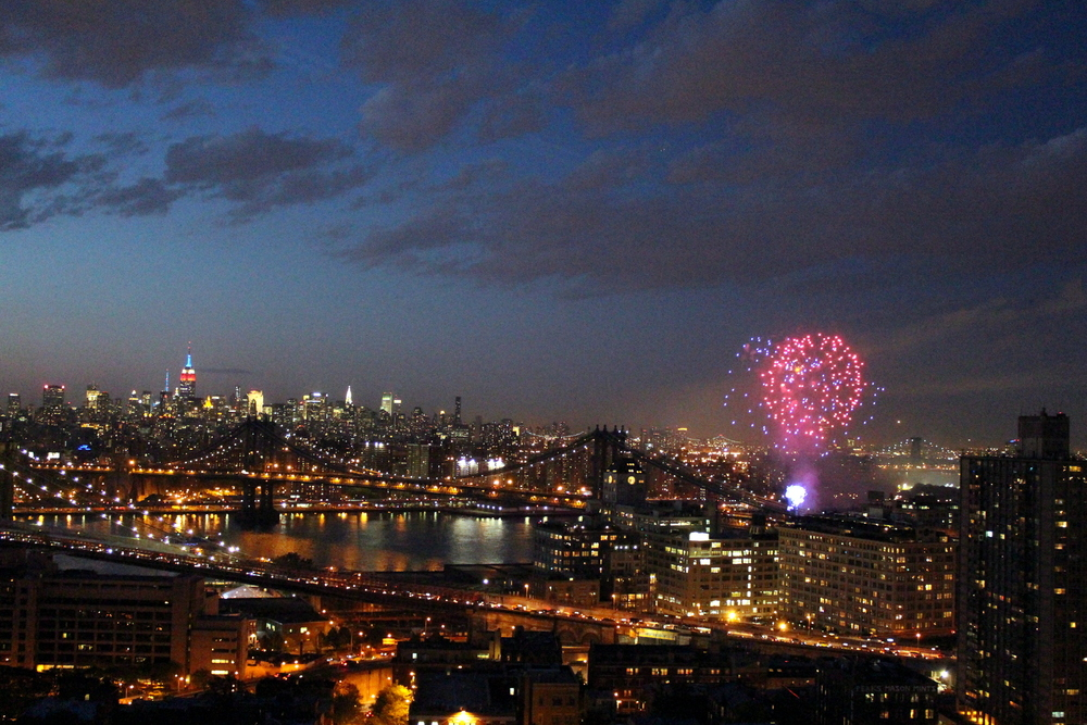 Fireworks Over the East River (13)