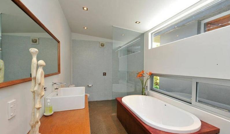 Berhampore bathroom renovation by Mandel Contracting