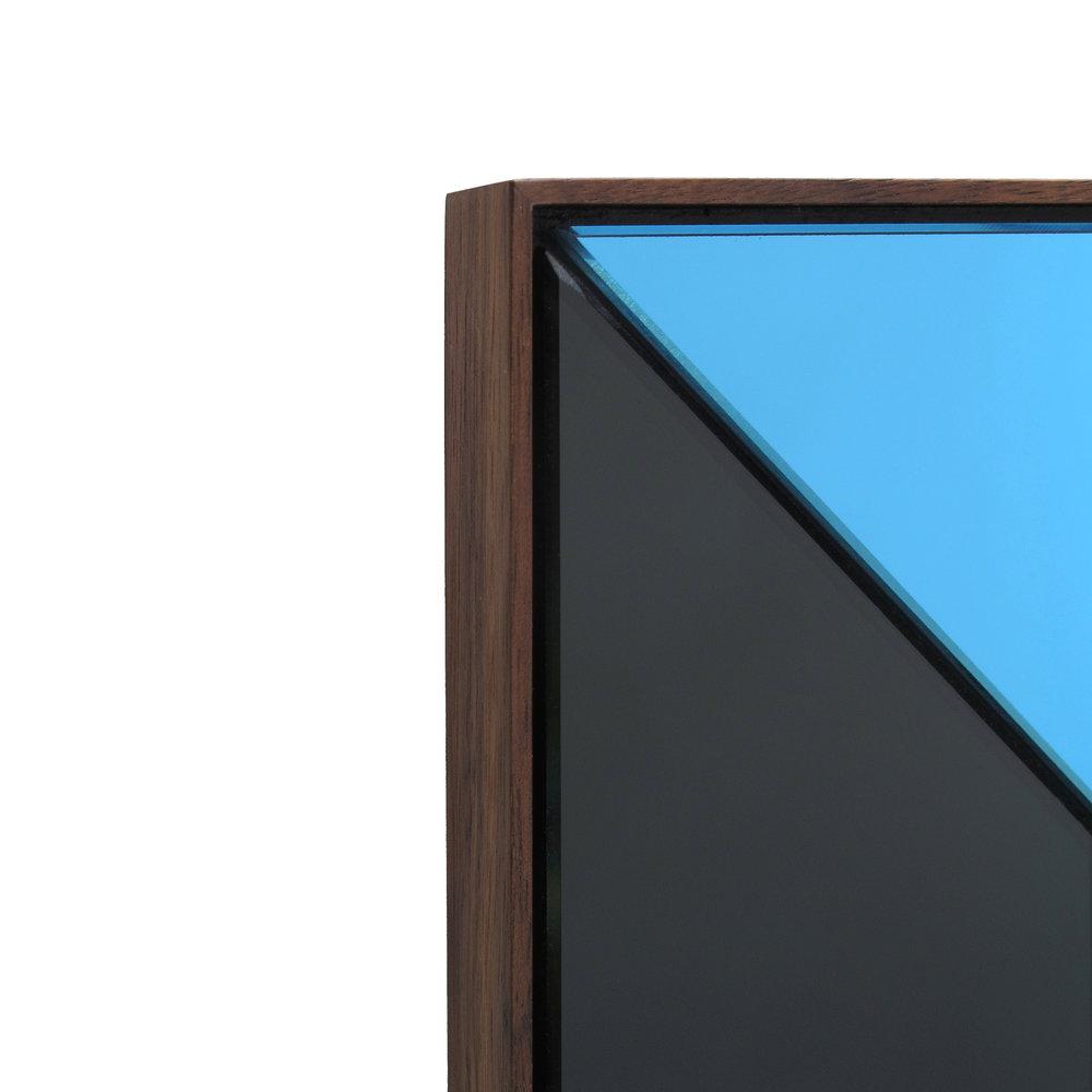01b Cube Mirror_detail.jpg