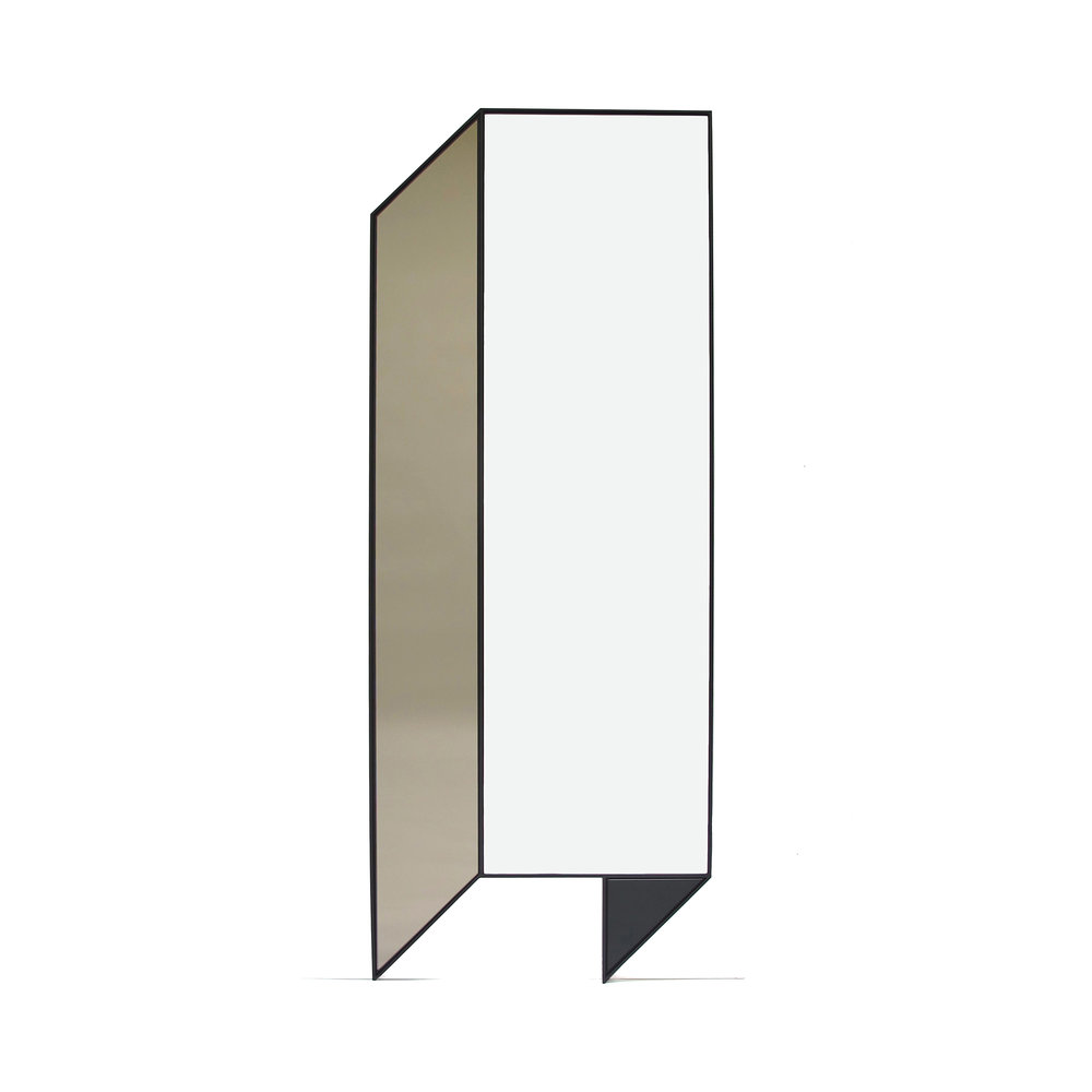 07a Fold Floor Mirror_clean.jpg