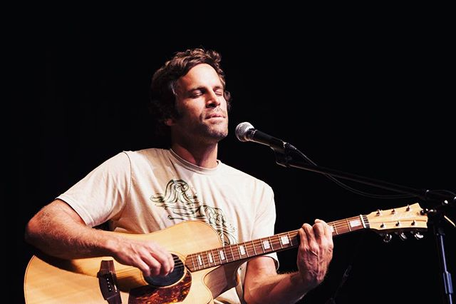 My favorite artists, musicians, poets, painters, architects, etc. are those that look within, that close their eyes to find a deep inner truth that is personal and thus profound.... @jackjohnson is one of those. I captured this portrait of him at one of my favorite shows ever... it was a surprise appearance at a movie release and just him on the stage with a small crowd. It felt like a living room or backyard show and it was one of the most pure, authentic and enjoyable experiences I've ever had. #jackjohnson #portrait #santabarbara