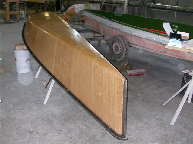 Prototype of a small sailing boat made in bamboo fiber.