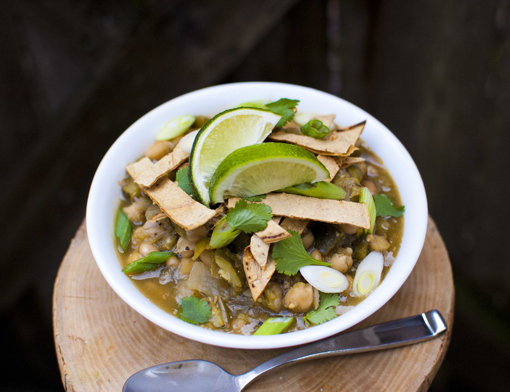 Quick White Bean and Zucchini Chili - Vegan