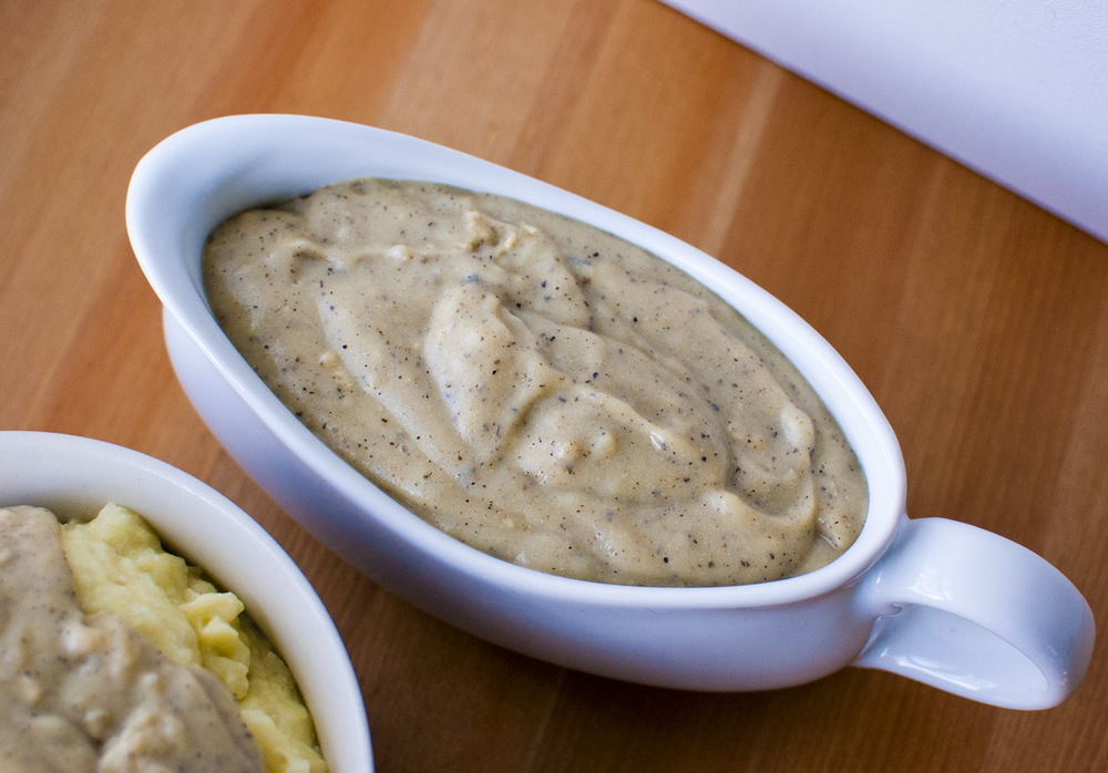 Easy Creamy Peppered Country Gravy Mix (vegan and gluten free!)