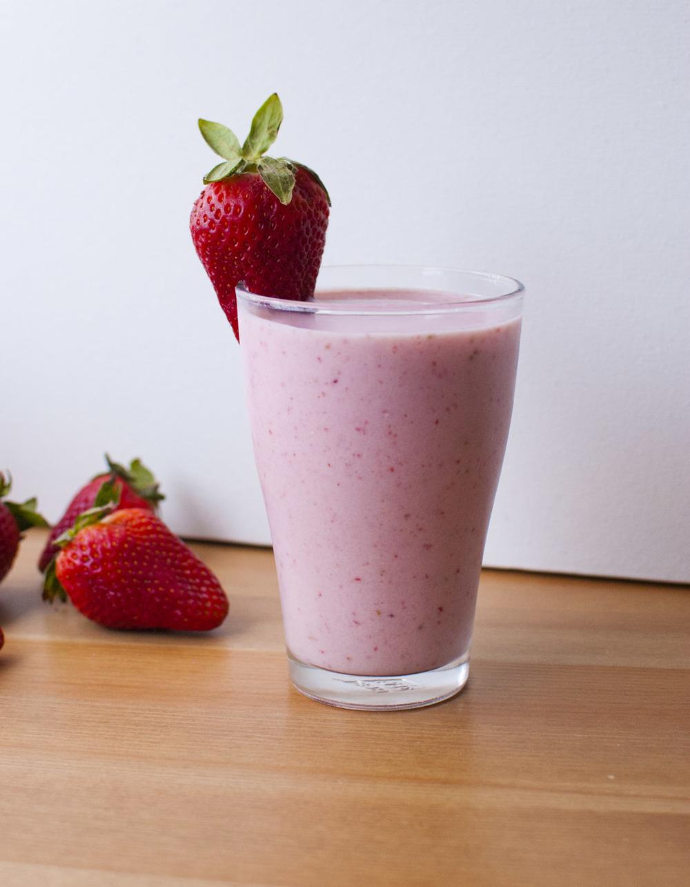 Strawberry Champagne Shake (vegan!)