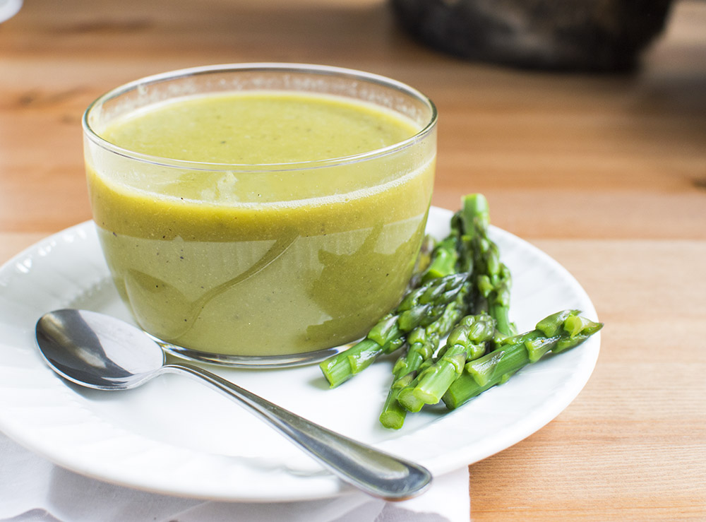 Simple Creamy Vegan Asparagus Soup (with no cream!)