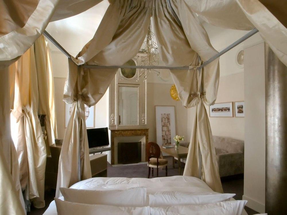 cn_image_0.size.hotel-28-aix-aix-en-provence-france-110661-1.jpg