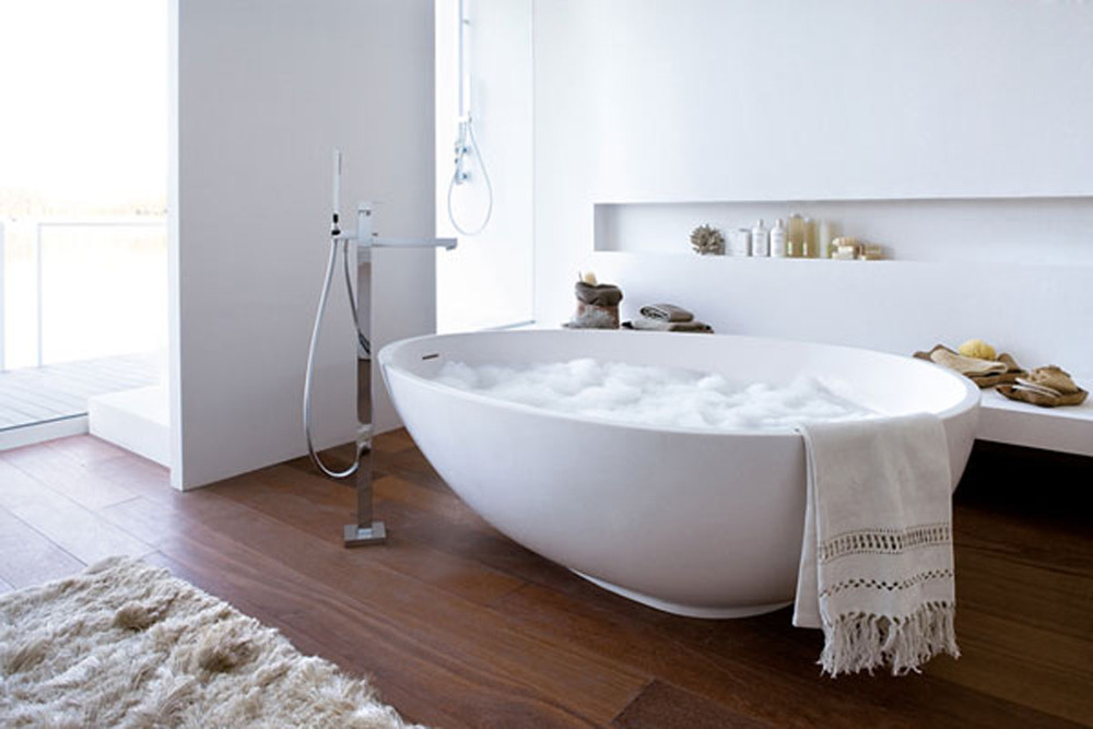 modern-bathtub-egg-shape-Mastella-Design.jpg