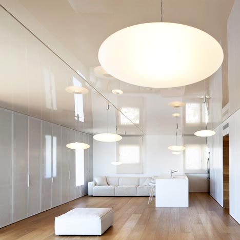 dezeen_O-Apartment-by-Paritzki-Liani-Architects_1sq.jpg