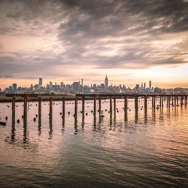 Empire State of mind  #esb #empirestatebuilding #newyorkcity #newyork #hudson  #newport #jerseycity