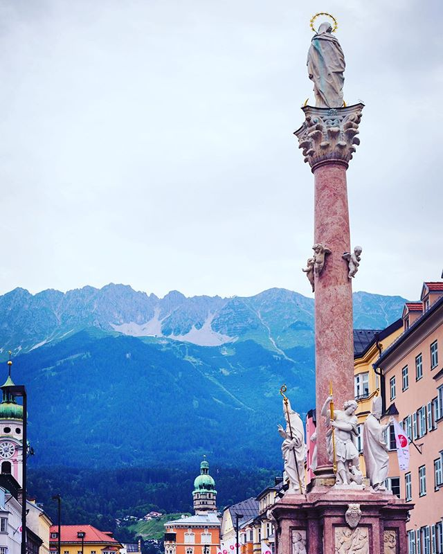 A view of the beautiful Nordkette mountain range from the old town square of Innsbruck  #street #oldtown #innsbruck #austria #mountains #nordkette