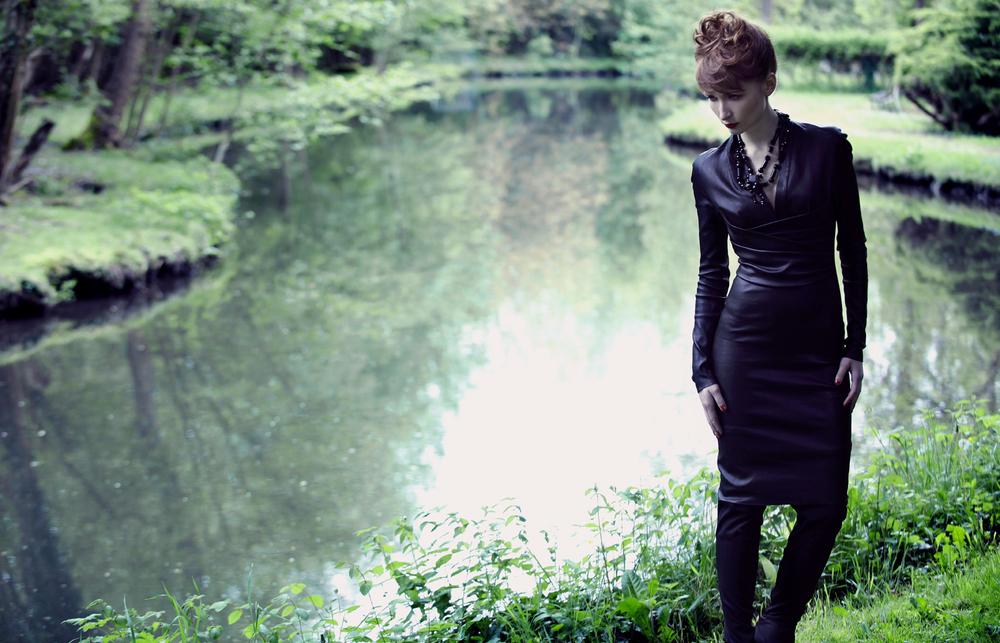 Dress  Jitrois   Necklace  RQ Design