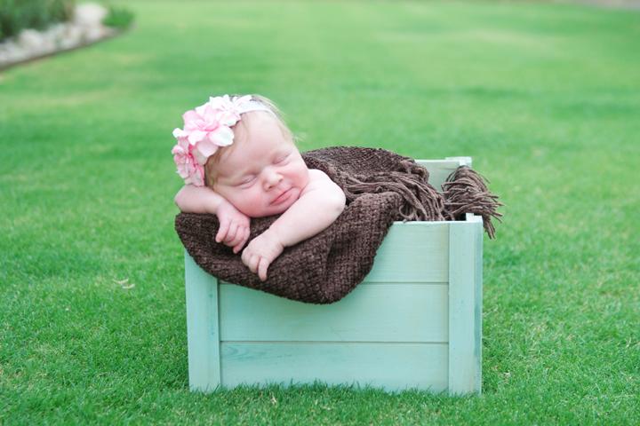 newborn04.jpg