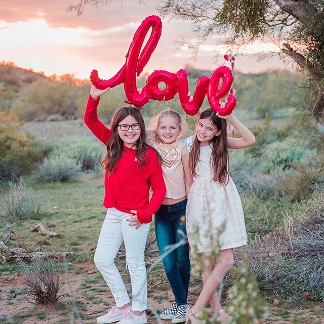 Valentine's Day photoshoot with these three besties!