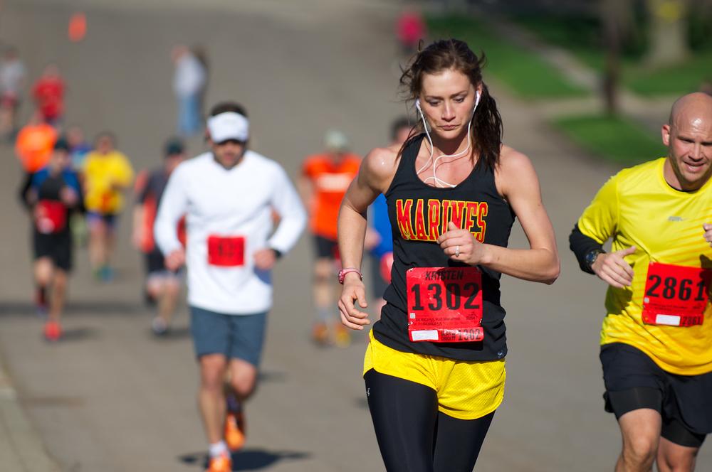 kalamazoo-marathon-runner-fem