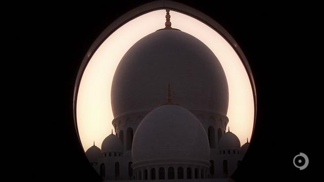 Sheikh Zayed Grand Mosque: 44 projectors mapping