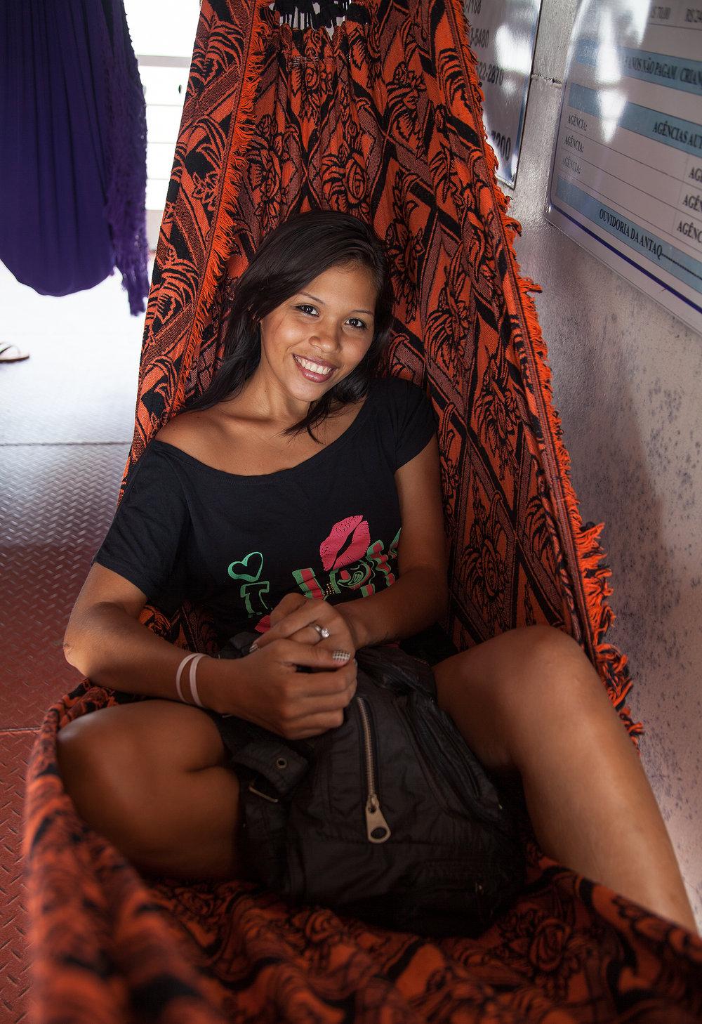 Moça no Barco Santarém-Macapá-2904.jpg