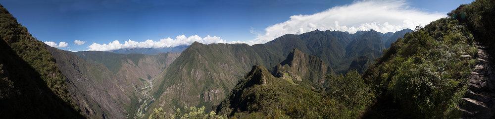 Machu Picchu Mountain_Panorama1.jpg