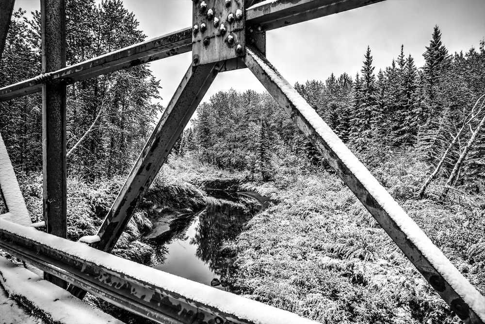 bridge snow 2 bw.jpg