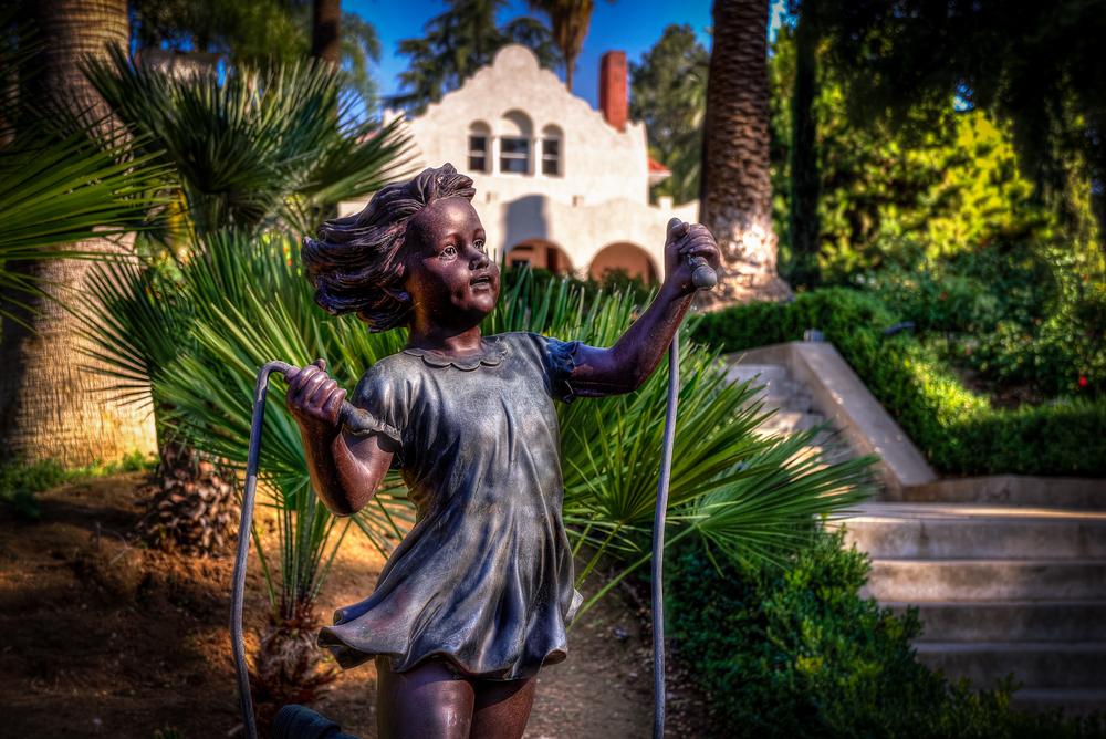 statue girl 1.jpg