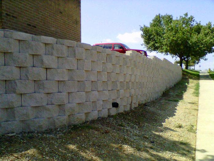 wall1-700.jpg
