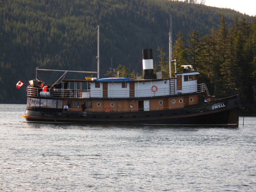 We met the Swell at Browning wall. Ab and I spent our honeymoon on this ship for a week :0
