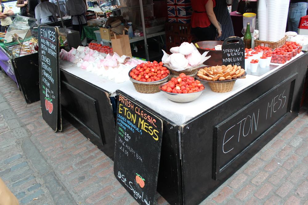 Eton Mess : Mix broken up meringue, strawberries and cream