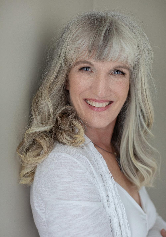 Author Headshot Victoria