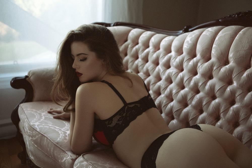 Sexy & Classy Boudoir Photography in Victoria _ Portrait Couture Boudoir