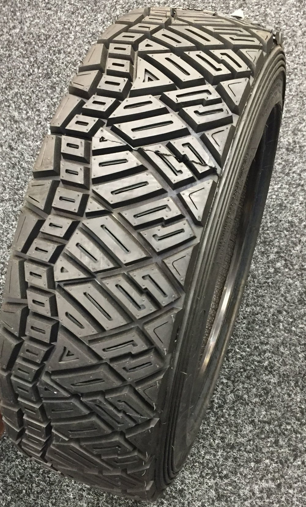 Avon M&S Gravel Rally Tyre - 160/605R15 (185/60R15) - E-Marked Rally Tyre
