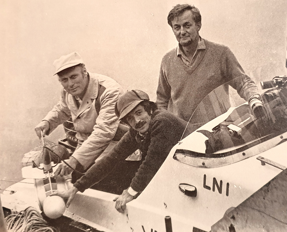 Dinsdale (standing, at right) with Robert Rines (l) and Martin Klein in 1970. Image:   Dinsdale (1976)  .